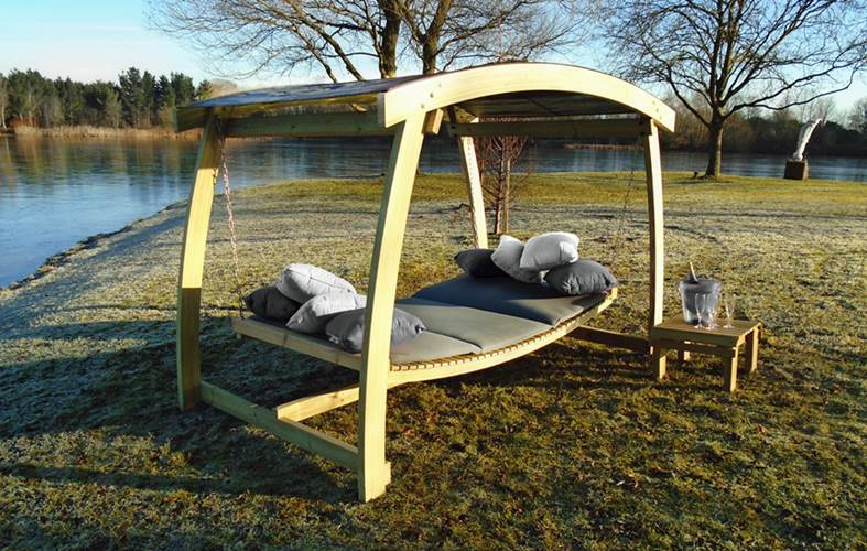 Serena Swing Bed